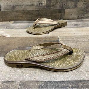 Chaco Women's Flip flop thong sandals size 6